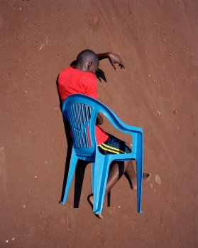 the passenger times district -Viviane Sassen 02