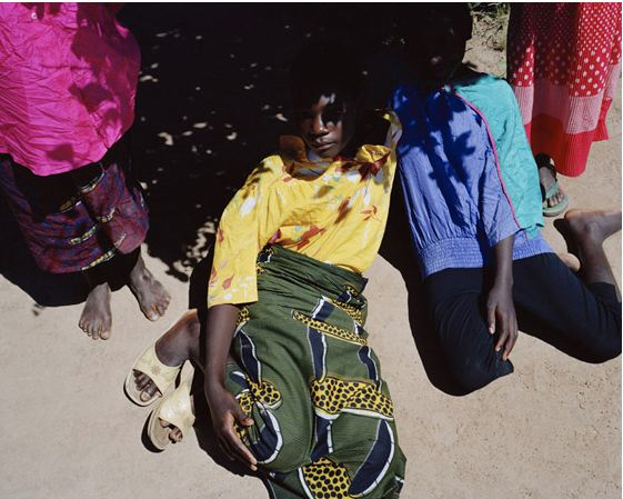the passenger times district -Viviane Sassen 09