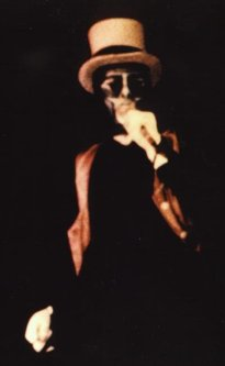 the passenger times - Peter Gabriel's wardrobe 14