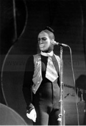 the passenger times - Peter Gabriel's wardrobe 16