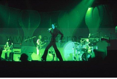 the passenger times - Peter Gabriel's wardrobe 23
