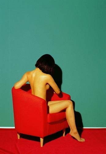 sitting-woman_800